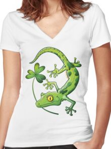 Saint Patrick's Day Gecko Women's Fitted V-Neck T-Shirt