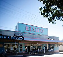 Old Rialto Cinema, West End, Brisbane by Christian  Tiger