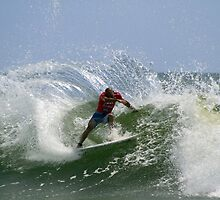 Kelly Slater at the Quiksilver Pro by Noel Elliot