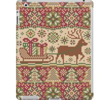 Knitted pattern with reindeer red/green iPad Case/Skin