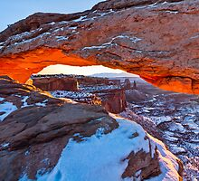 Mesa Arch by clintlosee