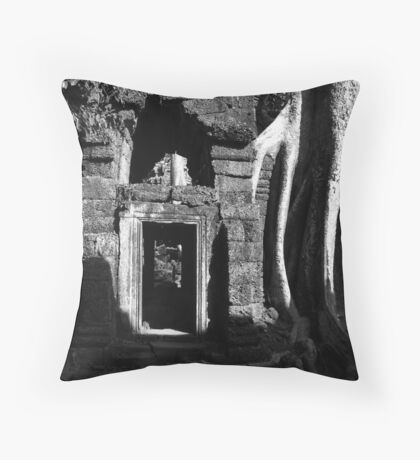 Cambodia's kodak photospot Throw Pillow