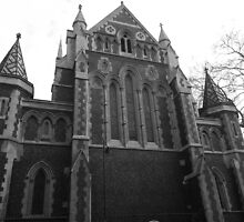 Southwark Cathedral in B&W by mike  jordan.