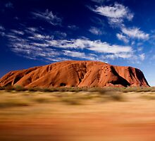Uluru by macsphotos