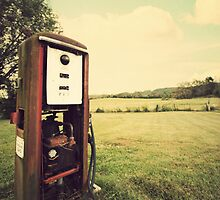 The Old Gas Pump by XxJasonMichaelx