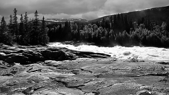 Laksfossen by itchingink