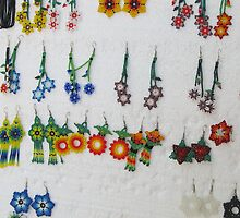 Earings made by Huichol - Aretes hecho por Huichol by PtoVallartaMex