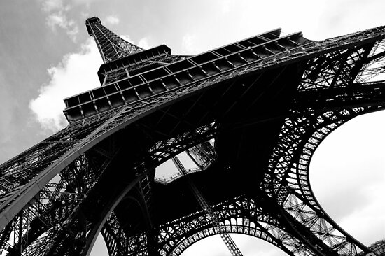 Falling Lines - Eiffeltower by Thomas Splietker