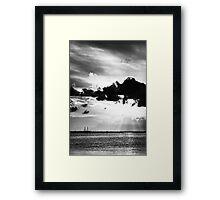 Una tarde en la costa Framed Print