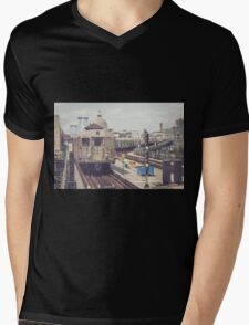 Williamsburg Mens V-Neck T-Shirt
