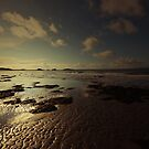 A BEAUTIFUL DAY ON THE BEACH by leonie7