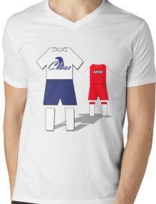 Class vs Arse Mens V-Neck T-Shirt
