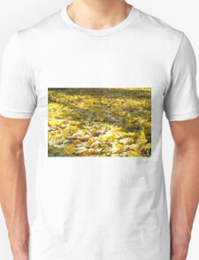 Selective focus on the leaves with a blurred background T-Shirt