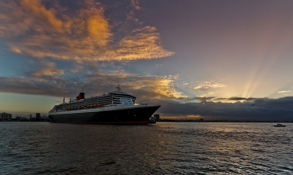 Queen Mary 2 Melbourne Sunrise by Russell Charters