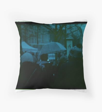 Umbrella w/Ladies Throw Pillow