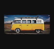 Volkswagen Kombi Bus - Photo by blulime