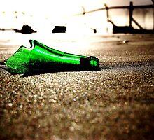 Seaside Bottle - Lost & Free by LeiVeLam