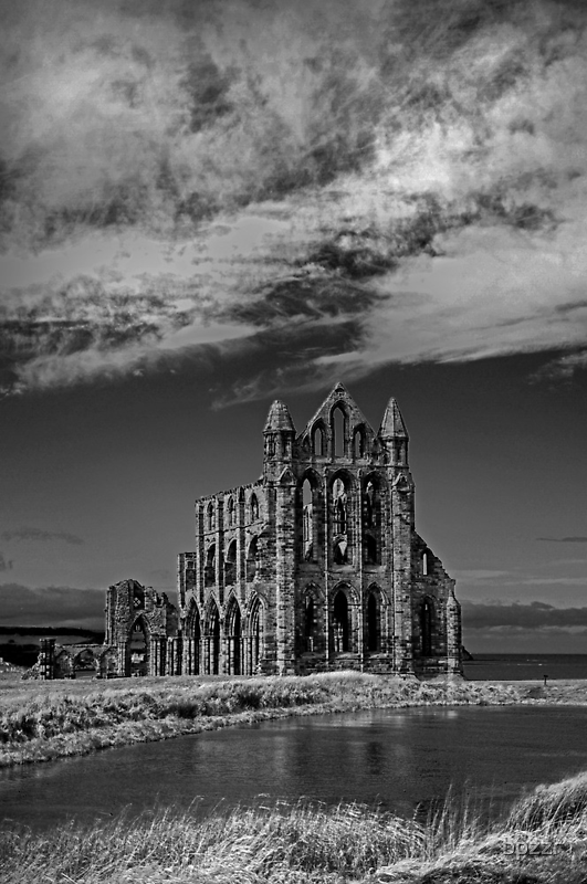 Whitby Abbey by bpzzr