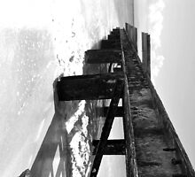 Black and white jetty by LeiVeLam