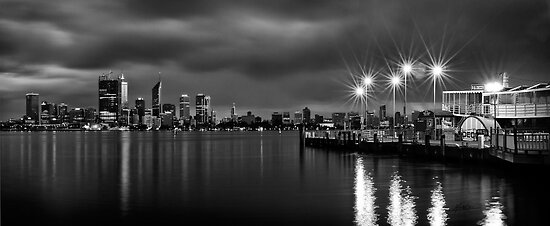 Perth City Skyline by Mieke Boynton