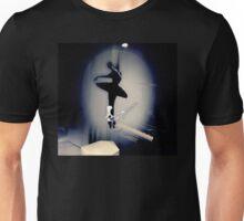 A Bailarina do Sótão (Piano Bar) Unisex T-Shirt
