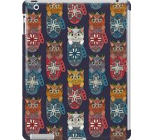 mistletoe kitten mittens iPad Case/Skin