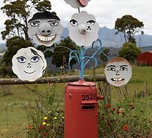 Mail Box : Happy Faces by mensoart