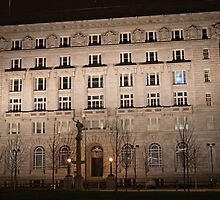 The Cunard Building is a Grade II* listed building  by Keith Larby