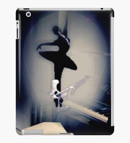 A Bailarina do Sótão (Piano Bar) iPad Case/Skin