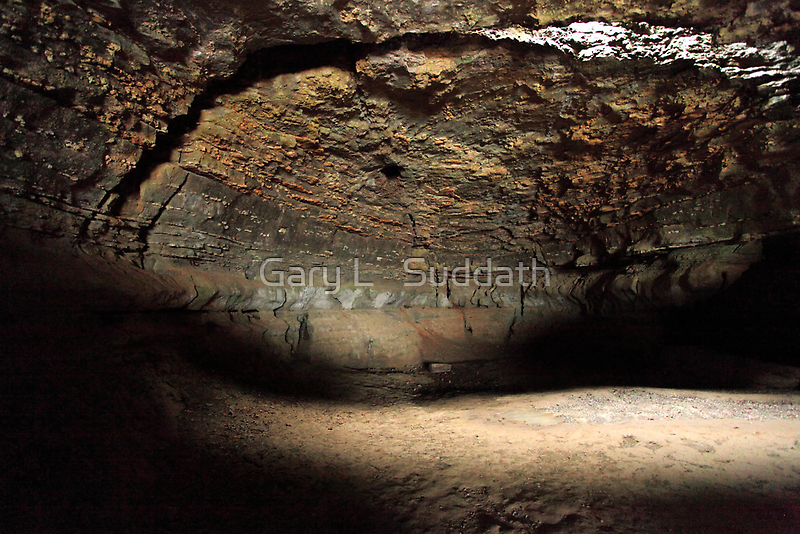 Cave-in-Rock by Gary L   Suddath