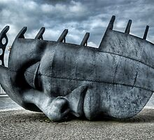 Maritime Memorial Cardiff Bay by Steve Purnell