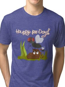 Flies on smiling, smelly poo funny cartoon Tri-blend T-Shirt