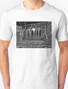 Beautiful courtyard with arches in black and white T-Shirt