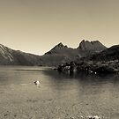 Summer time at Dove Lake by Hayley Joyce