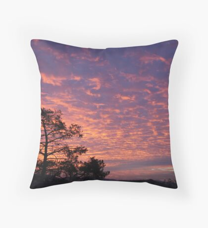 sunset across cloudy skies Throw Pillow