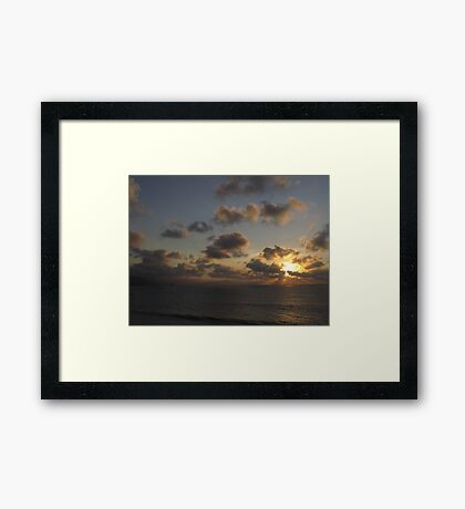 Evening Sky with Clouds - Atardecer con Nubes Framed Print