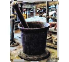 Mortar and Pestle in Chem Lab iPad Case/Skin