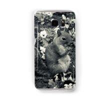A squirrell in a flowerbed Samsung Galaxy Case/Skin