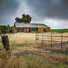 Storm approaching by Jan Pudney