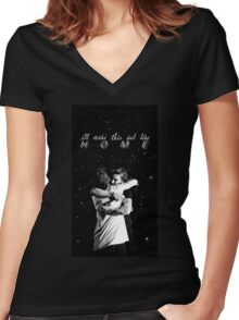 larry stylinson hug Women's Fitted V-Neck T-Shirt