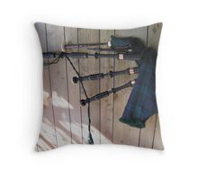 Making the Bagpipes  2 Throw Pillow