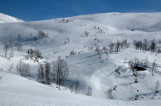 Spring snow landscape - Skytjeset in Granvin by Algot Kristoffer Peterson