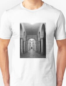Beautiful corridor with classic arches in black and white T-Shirt