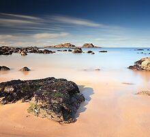 Yellowcraigs beach by Grant Glendinning