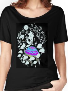 alice in fungi land Women's Relaxed Fit T-Shirt