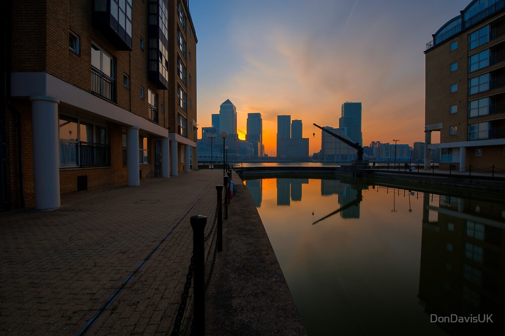 Canary Wharf Sunrise by DonDavisUK