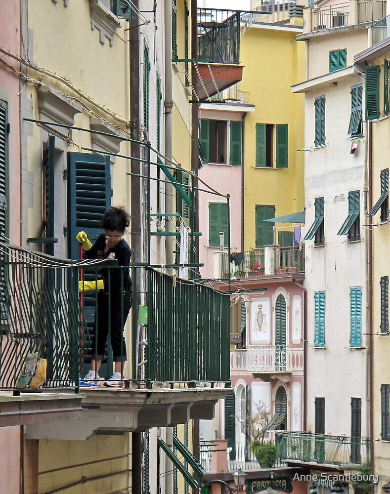 street scene in Riomaggiore by Anne Scantlebury