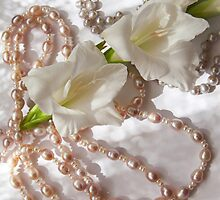 Pearls and flowers  by torishaa