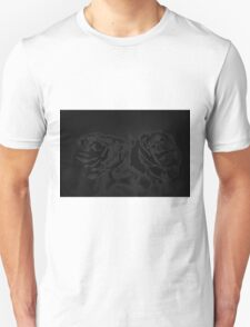 A pair of roses in black Unisex T-Shirt