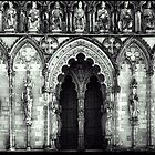 Statues of Lichfield Cathedral  by MartinMuir